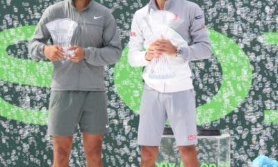 Nadal e Djokovic durante la premiazione, Miami 2014 (foto ART SEITZ)