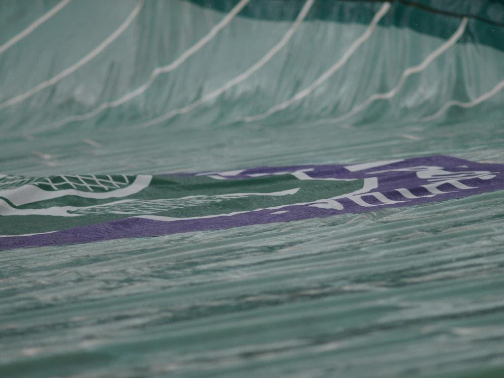 Pioggia a Wimbledon (foto FABRIZIO MACCANI)