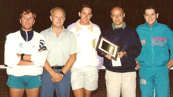Tennis Club Anghiari - 1991 - Ubaldo Scanagatta riceve la targa di Socio a Vita del Tennis Club Anghiari