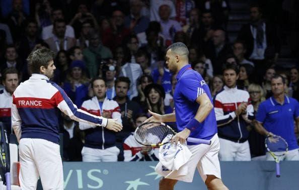 Arnaud Clement stringe la mano a Jo-Wilfred Tsonga