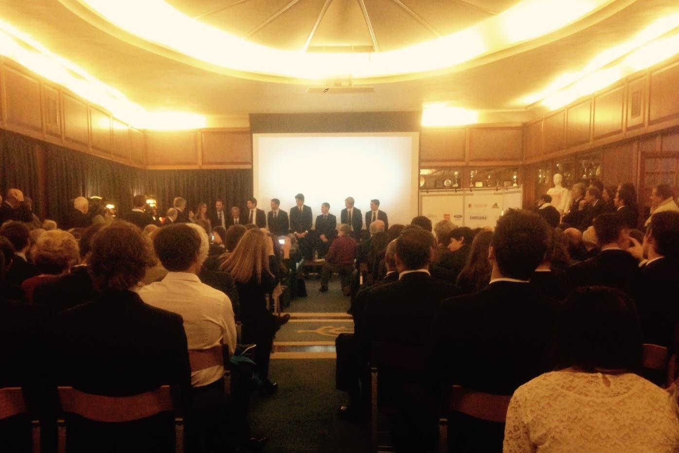 La sala delle premiazioni al Canottieri Aniene