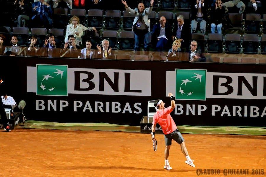 Fabio Fognini esulta dopo la vittoria contro Johnson (foto C. Giuliani)