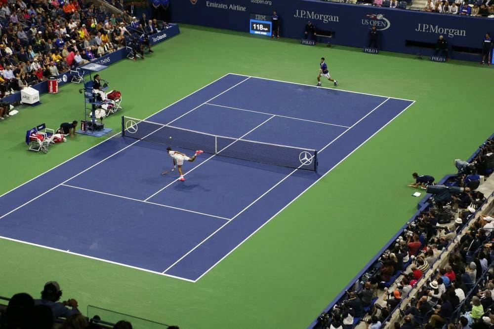 Roger Federer e Novak Djokovic - F US Open 2015 (foto di Art Seitz)