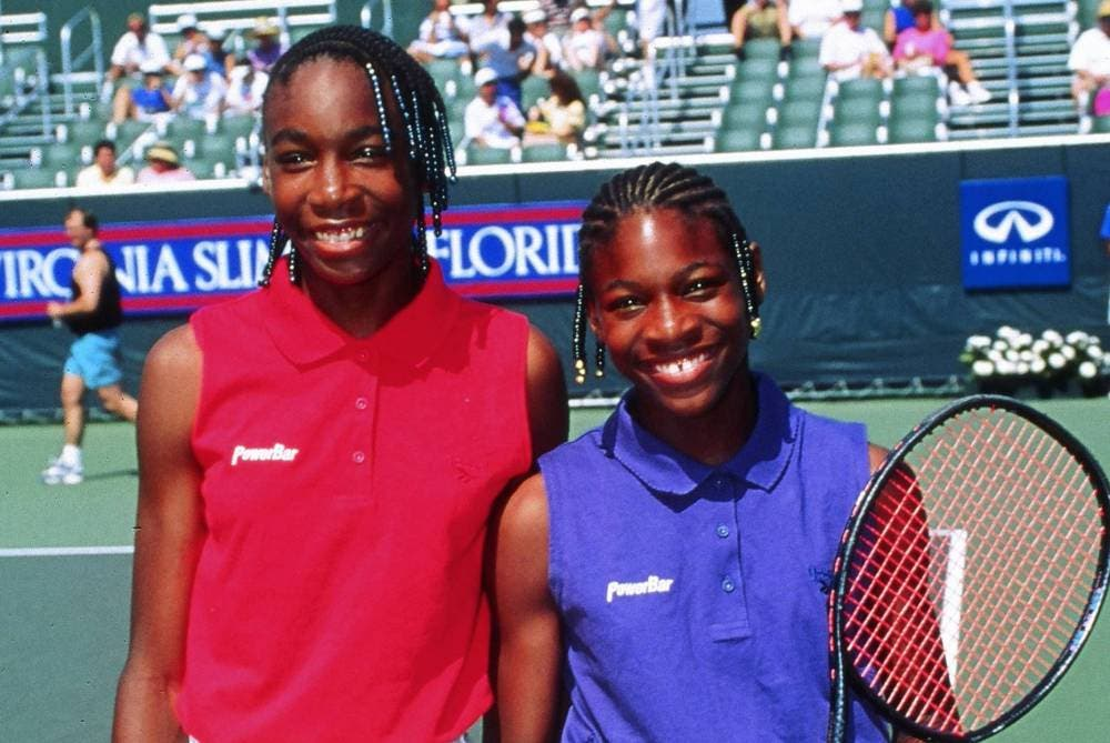 Venus e Serena Williams (foto di Art Seitz)