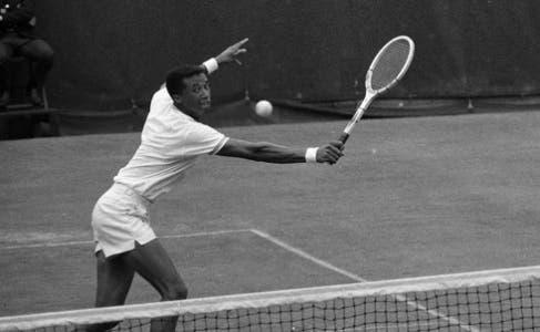 """Una semifinale a Forest Hills e il vero padrone di Wimbledon: semplicemente """"Tennis"""" di John McPhee"""