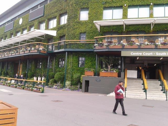 Wimbledon: si giocherà la domenica di mezzo, ma senza coda