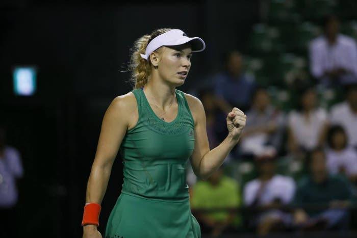 WTA Premier Tokyo: Wozniacki è tornata, Osaka battuta in due set