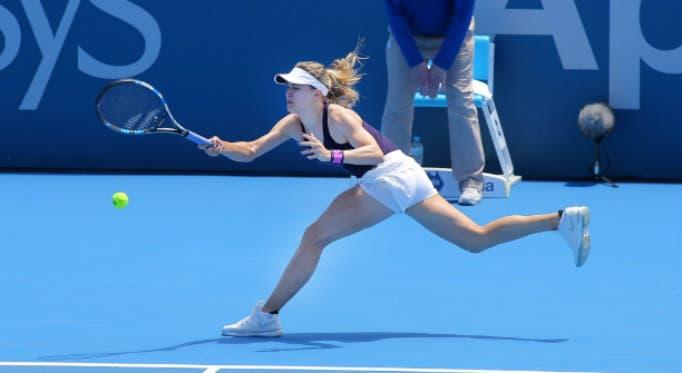 WTA Sydney: Bouchard scatenata, a Strycova la maratona con Wozniacki