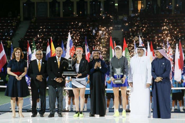 WTA Dubai: titolo e top 10 per Elina Svitolina, battuta Wozniacki