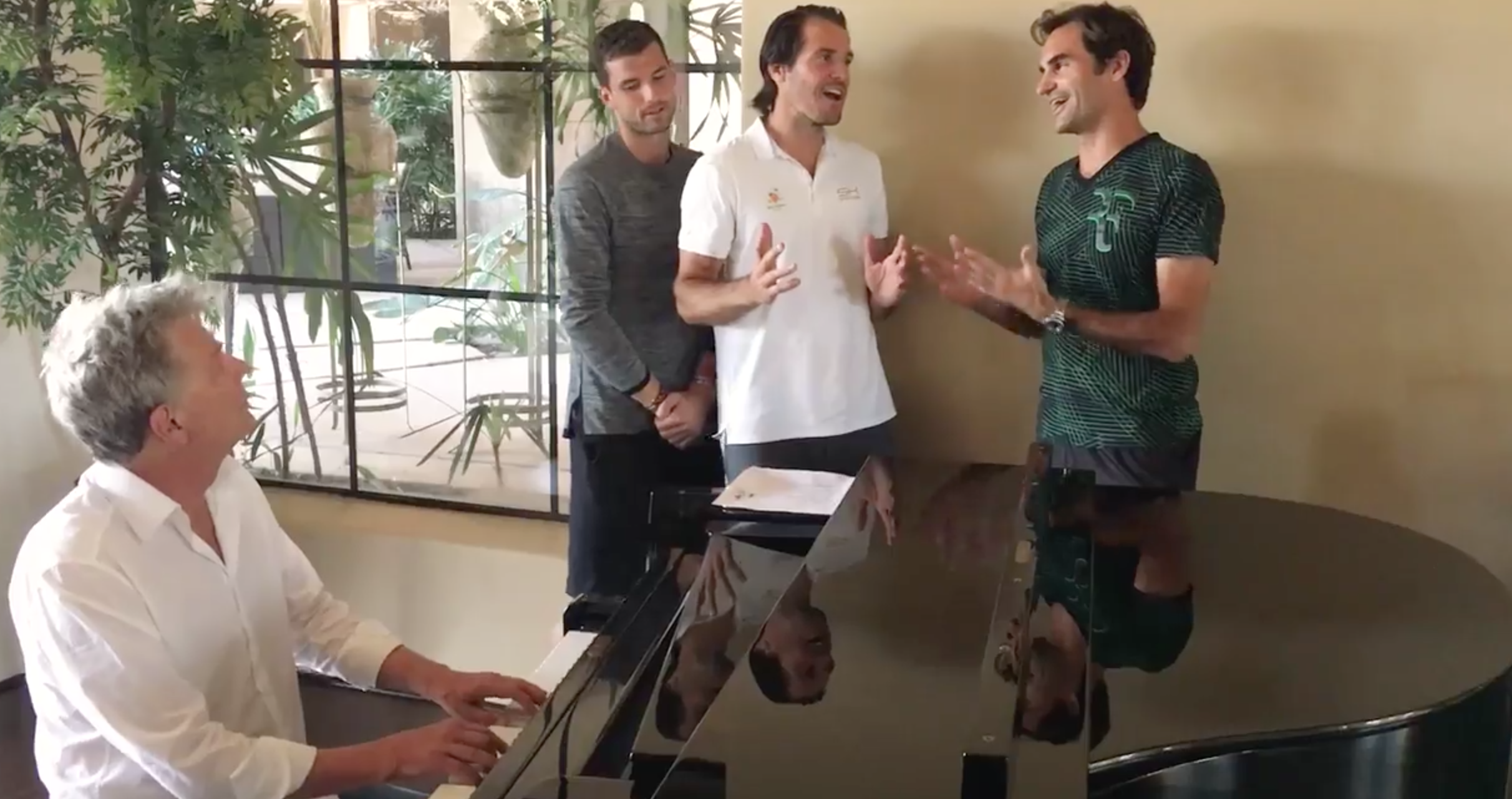 "I ""Backhand Boys"" sono tornati… con un intruso bimane"