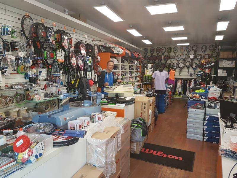38b3c55948481 Punto vendita Tennis Corner