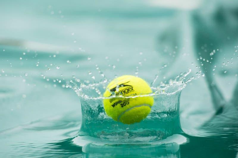 Pioggia su Wimbledon e Eastbourne, si riprende domani