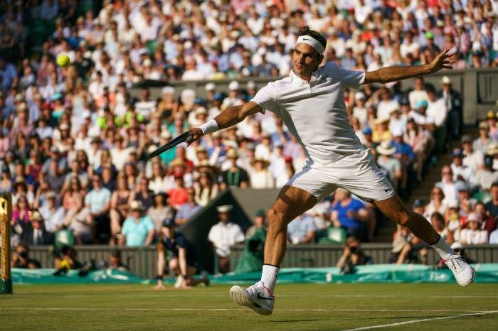 """Federer stacca il biglietto per le Finals e punzecchia la """"Next Gen"""""""