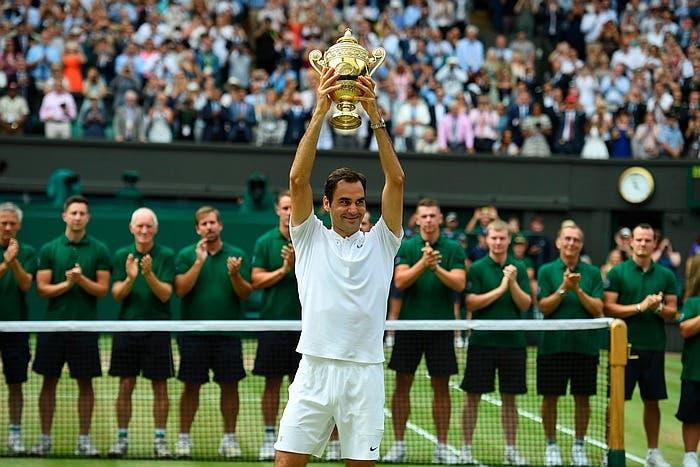 Il vero record di Roger Federer sono i suoi 200 passaporti. I suoi stop? Acqua fresca