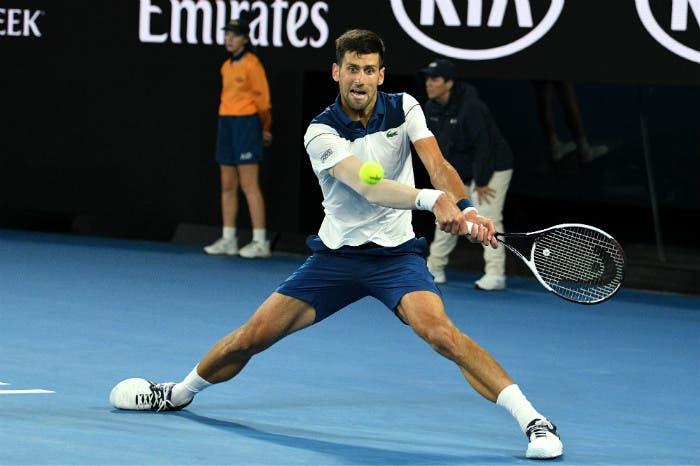 Djokovic operato al gomito. Quando tornerà?