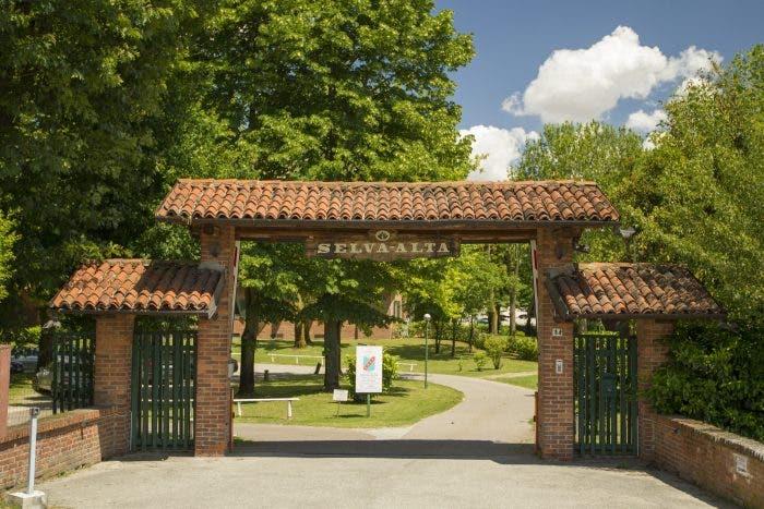 Sporting Club Selva Alta: verde e tennis alle porte di Vigevano