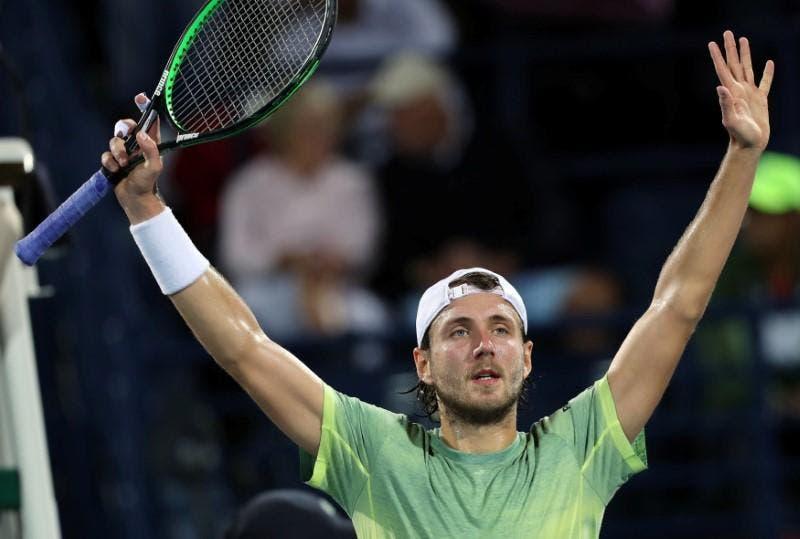 ATP Dubai: neanche la pioggia ferma Pouille, trova Bautista in finale