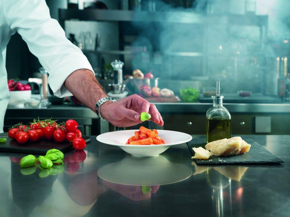 Roger federer impliqu dans quatre sessions de master avec barilla chef - Cuisine romaine traditionnelle ...