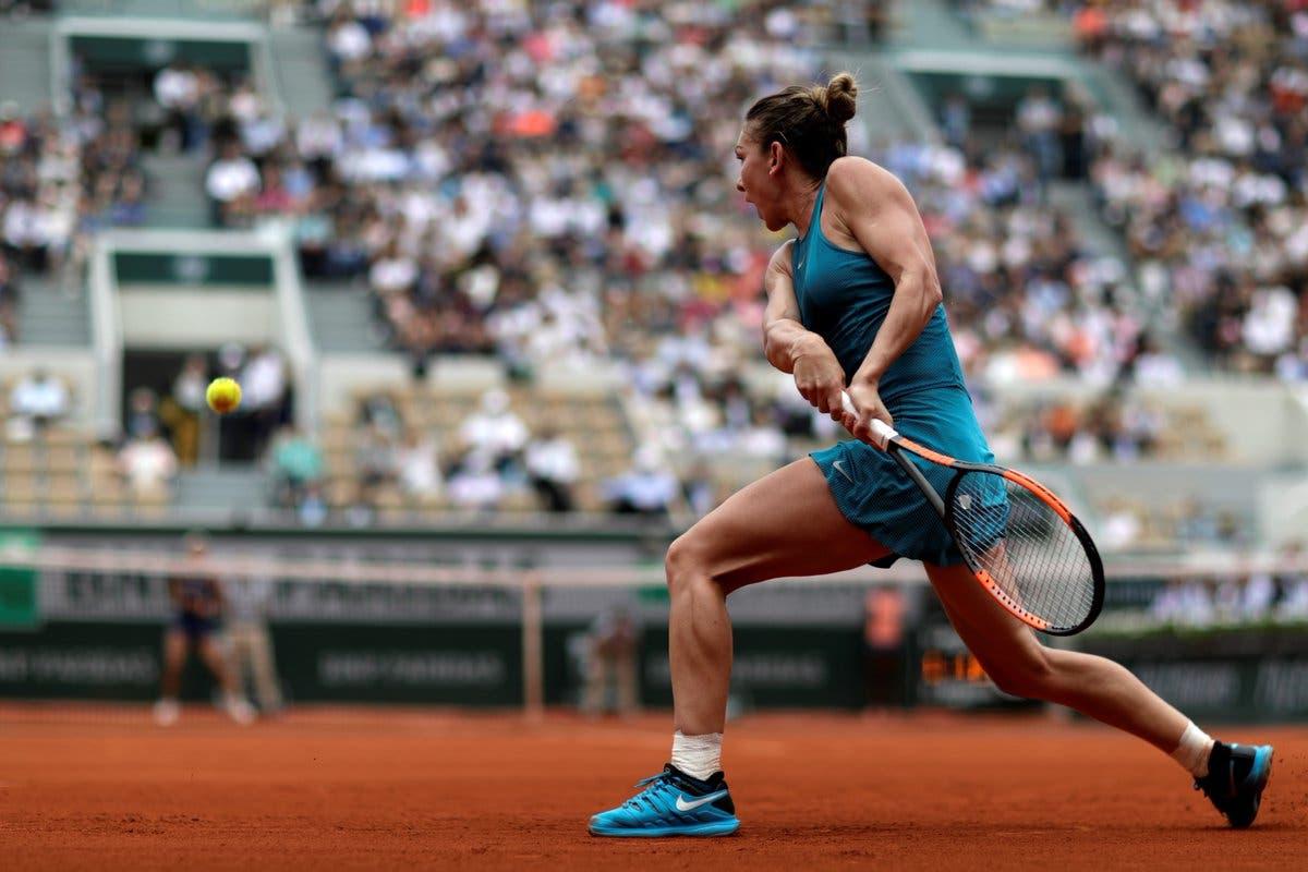 Kerber lotta, Sharapova no: Halep vs Muguruza per finale e n.1