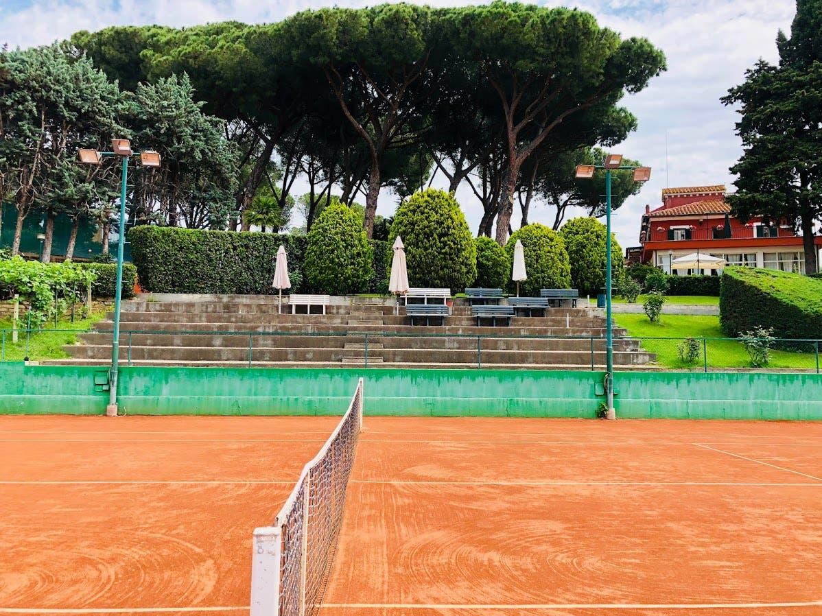 Il Club Nomentano di Roma, casa Pillot