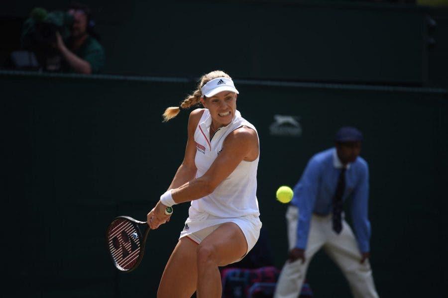 Wimbledon: Kerber non sbaglia mai, è lei la prima finalista