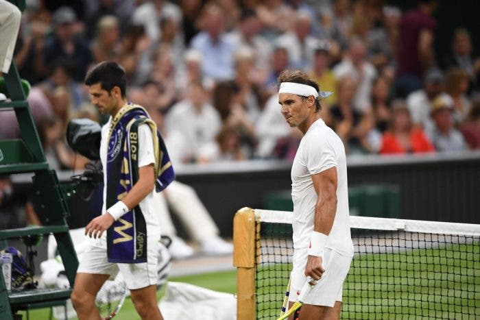 A Wimbledon vince il vicinato: Djokovic-Nadal sospesa con Nole avanti