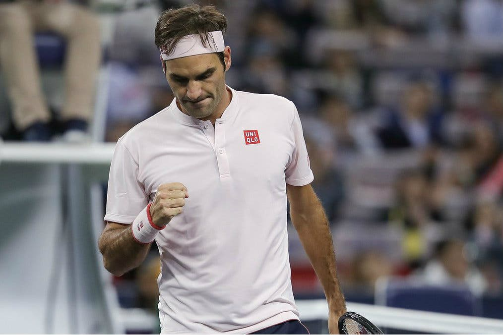 Shanghai: Federer la spunta al terzo ma Medvedev brilla ancora